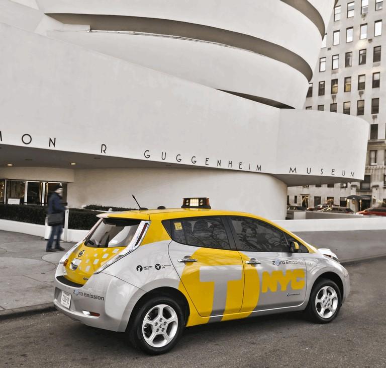 2013 Nissan Leaf - New York City Taxi 382561