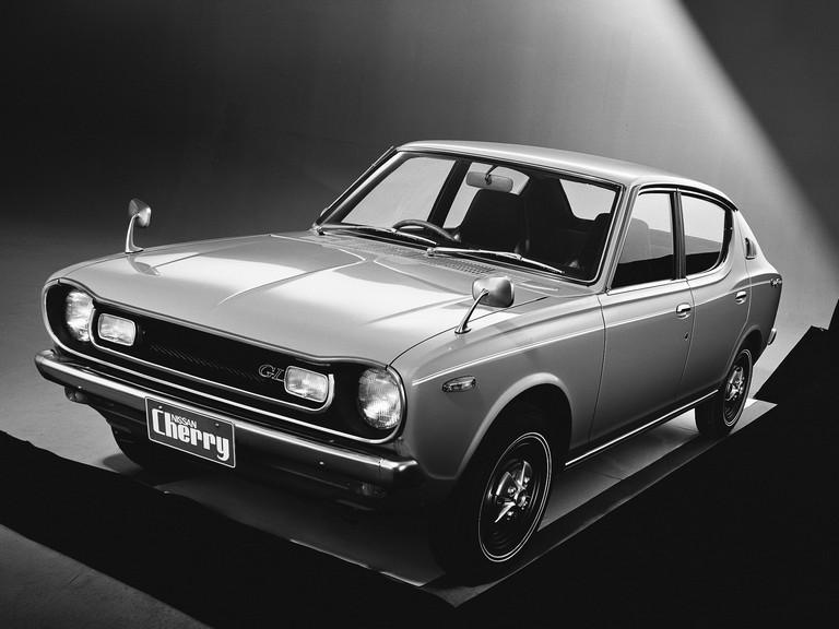 1970 Nissan Cherry ( E10 ) GL 4-door sedan 388355