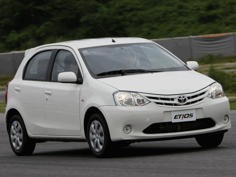 2012 Toyota Etios hatchback - Brazil version 389384