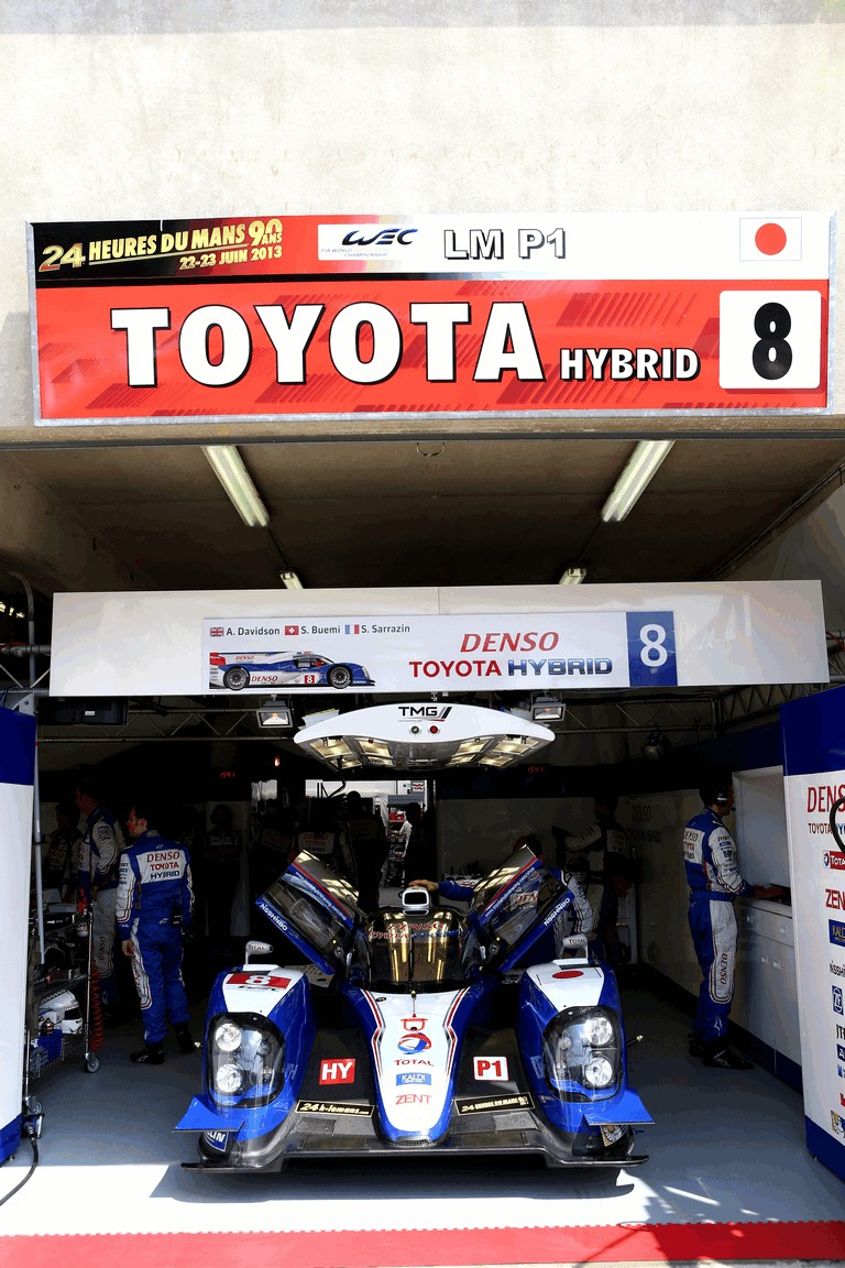 2013 Toyota TS030 Hybrid - Le Mans 24 Hours practice 389893