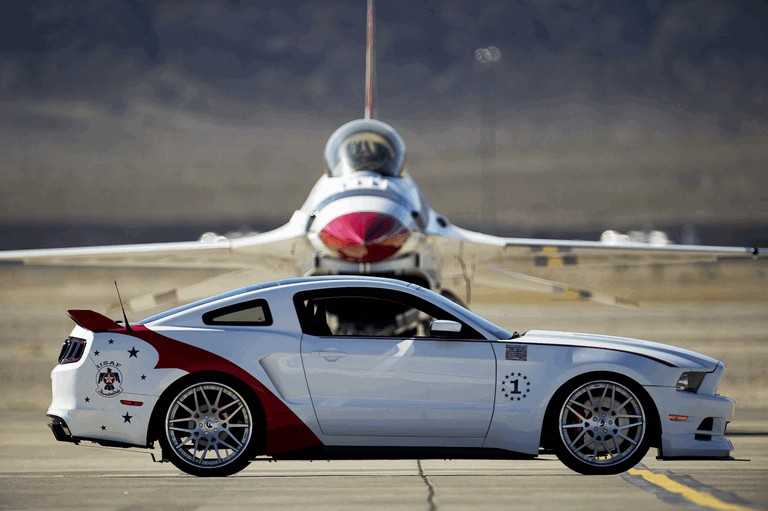 2013 Ford Mustang GT - U.S. Air Force Thunderbirds edition 390449