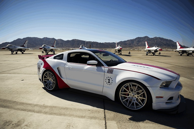 2013 Ford Mustang GT - U.S. Air Force Thunderbirds edition 390450