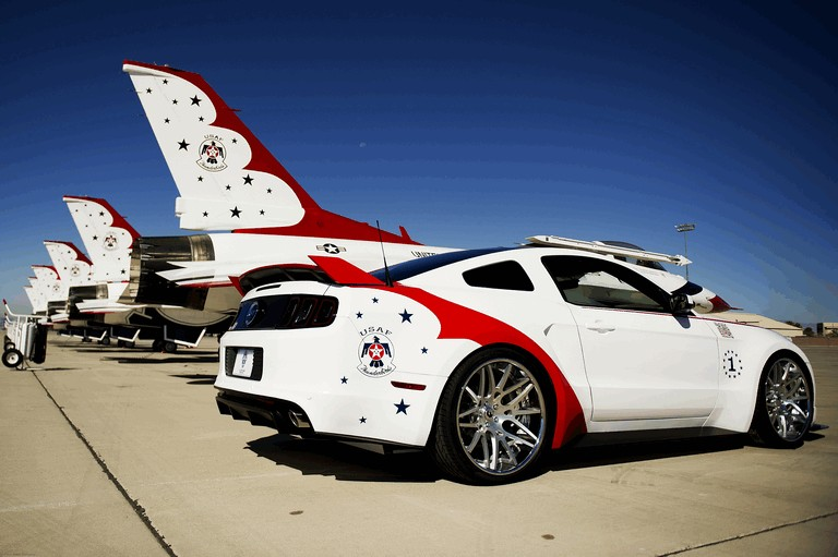 2013 Ford Mustang GT - U.S. Air Force Thunderbirds edition 390453