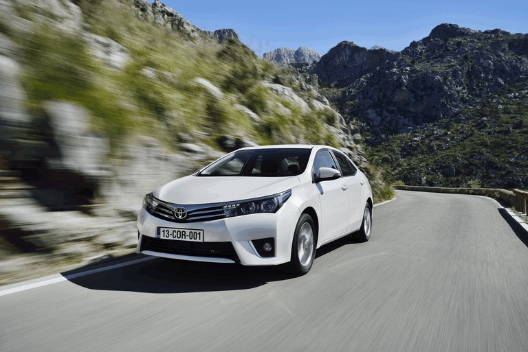 2013 Toyota Corolla - Europe version 391283