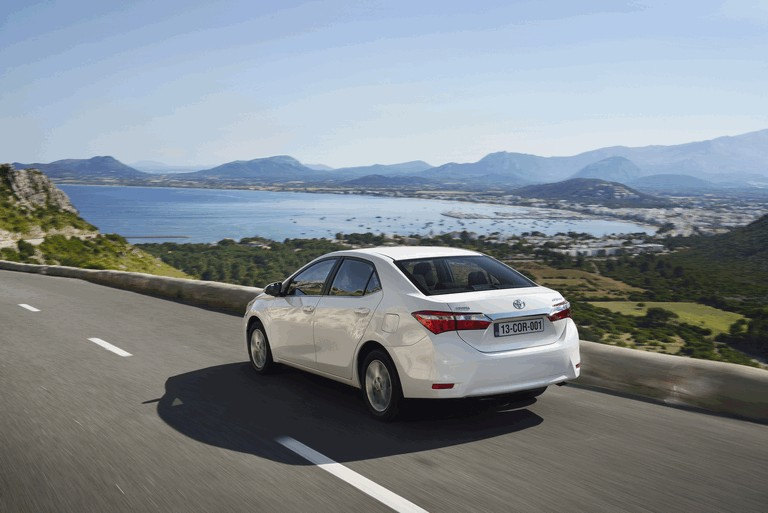 2013 Toyota Corolla - Europe version 391290