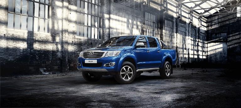 2013 Toyota Hilux Invincible 394639