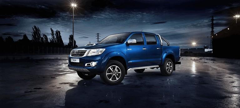 2013 Toyota Hilux Invincible 394645