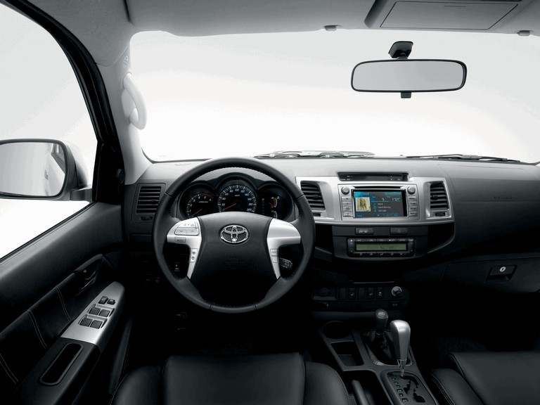 2013 Toyota Hilux Invincible 394654