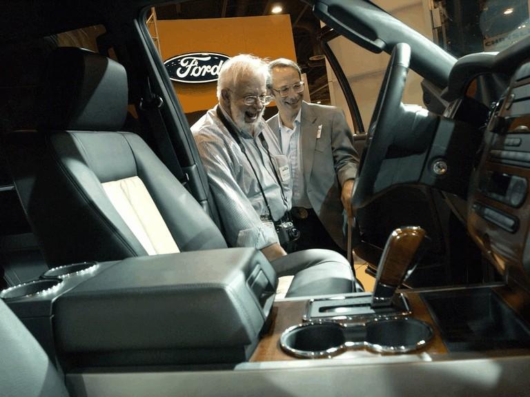 2007 Ford Expedition EL Eddie Bauer 220127