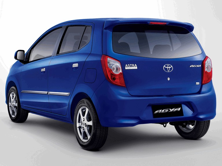 2013 Toyota Astra Agya 398776