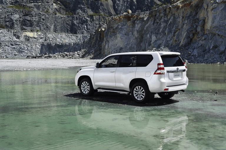 2014 Toyota Land Cruiser 398790