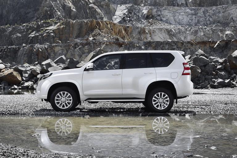 2014 Toyota Land Cruiser 398799