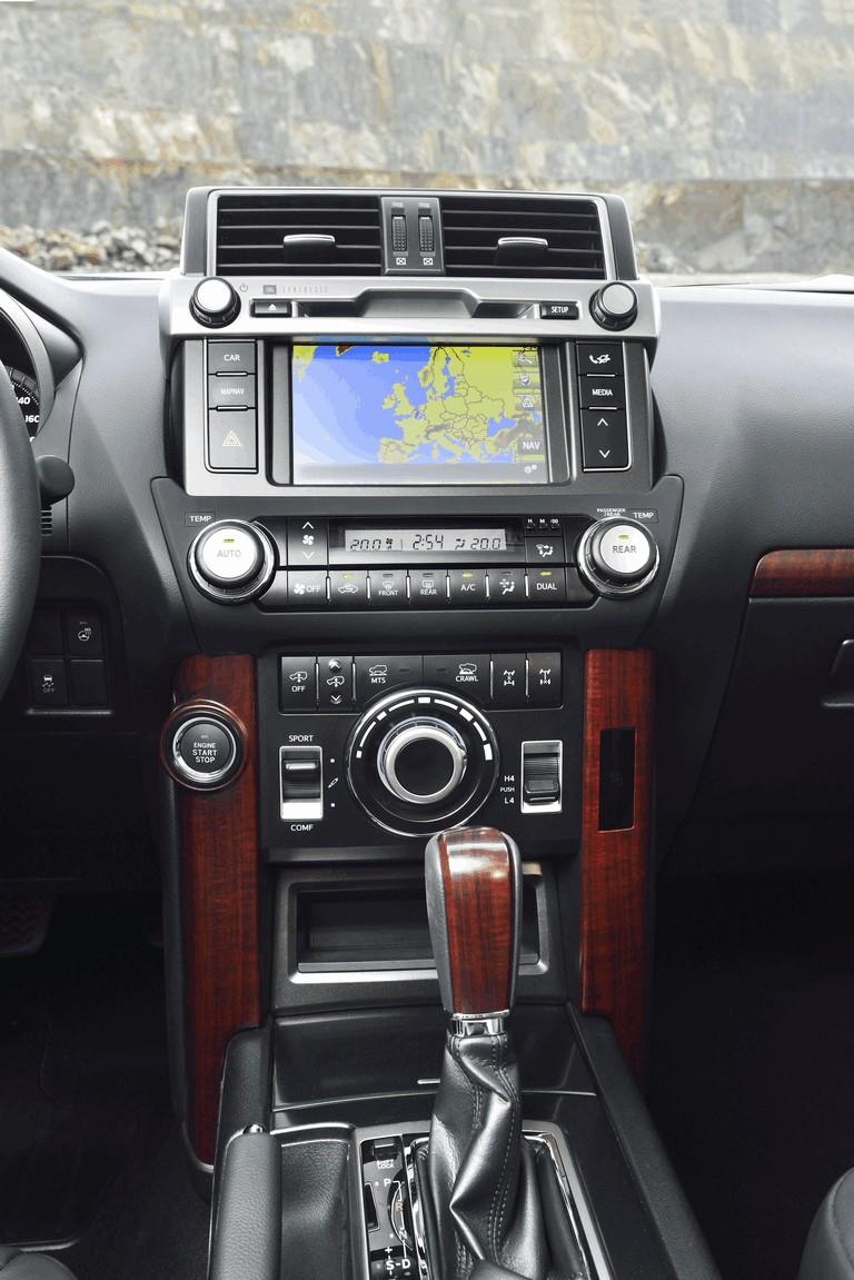 2014 Toyota Land Cruiser 398855