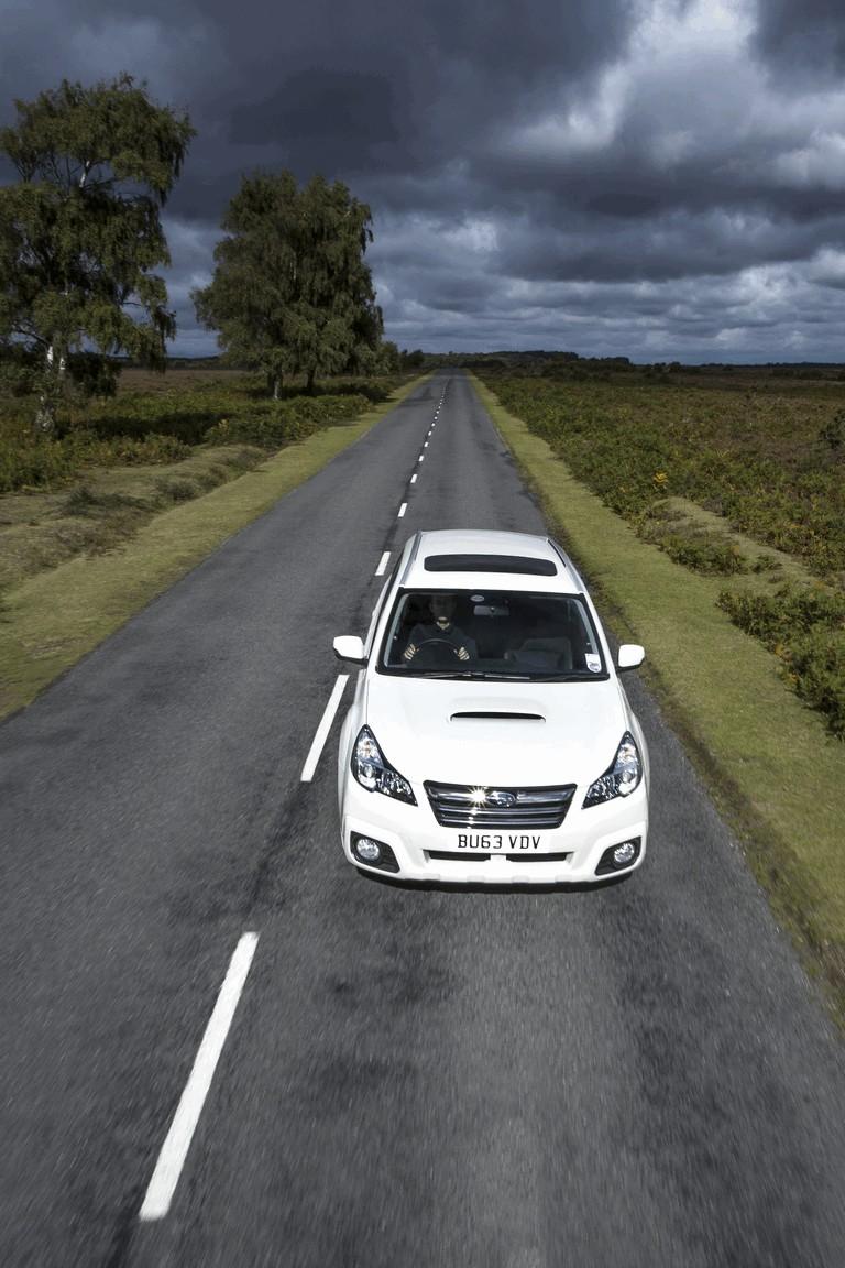 2013 Subaru Outback 2.0D SZ Lineartronic - UK version 400006