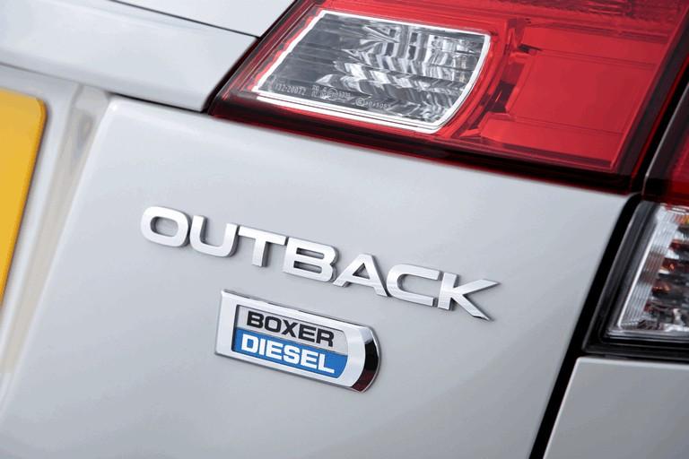 2013 Subaru Outback 2.0D SZ Lineartronic - UK version 400016
