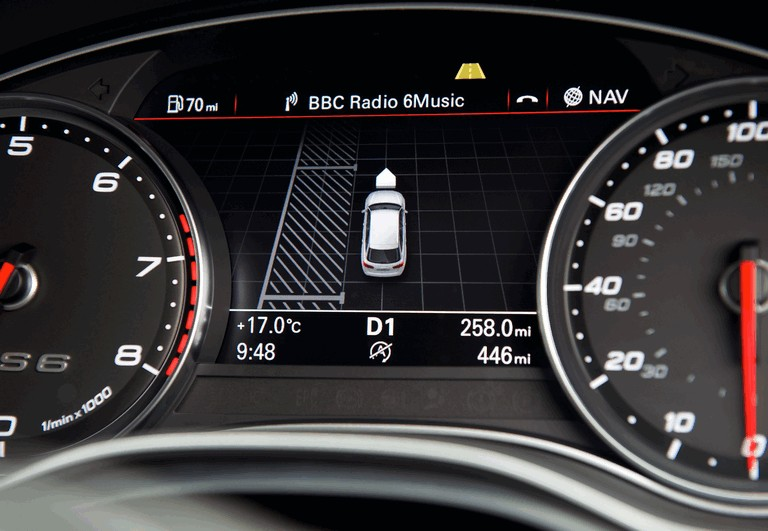 2013 Audi RS6 Avant - UK version 401257