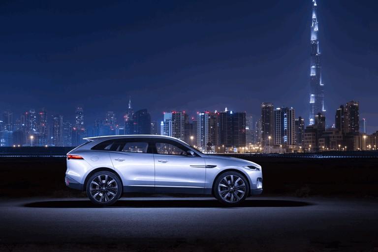 2013 Jaguar C-X17 - Dubai unveiling 402525