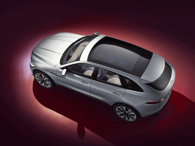 2013 Jaguar C-X17 - Dubai unveiling 402530