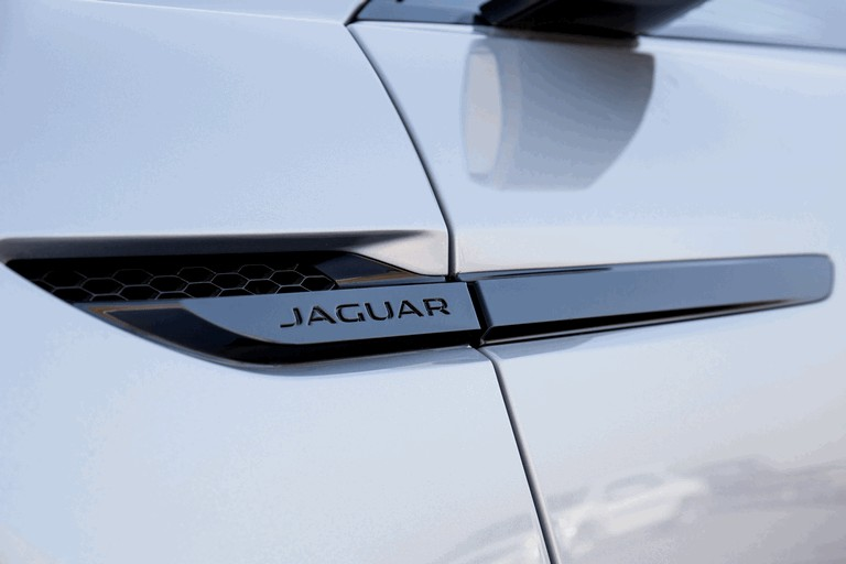 2013 Jaguar C-X17 - Dubai unveiling 402546
