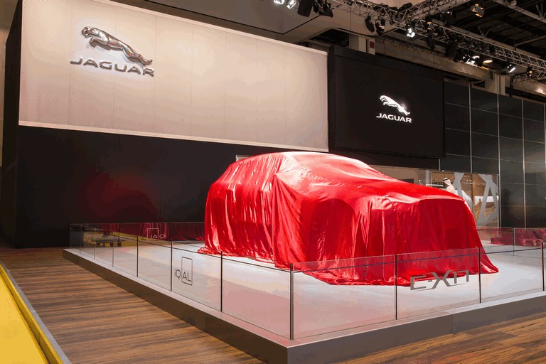 2013 Jaguar C-X17 - Dubai unveiling 402578