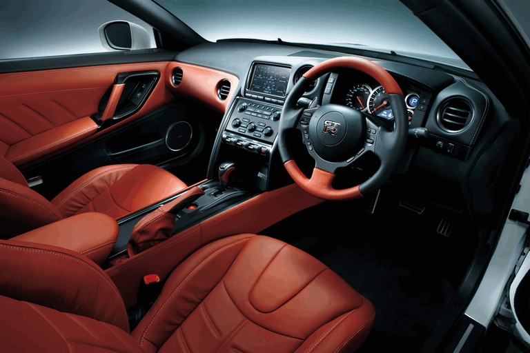 2014 Nissan GT-R ( R35 ) 403665