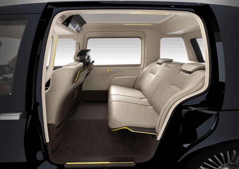2013 Toyota JPN Taxi concept 404706