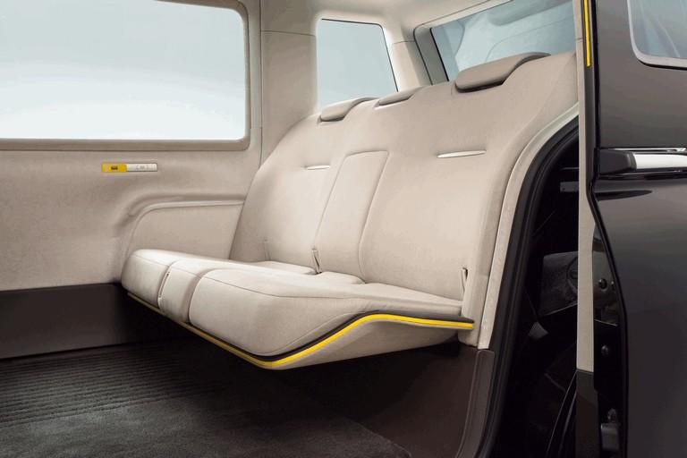 2013 Toyota JPN Taxi concept 404709