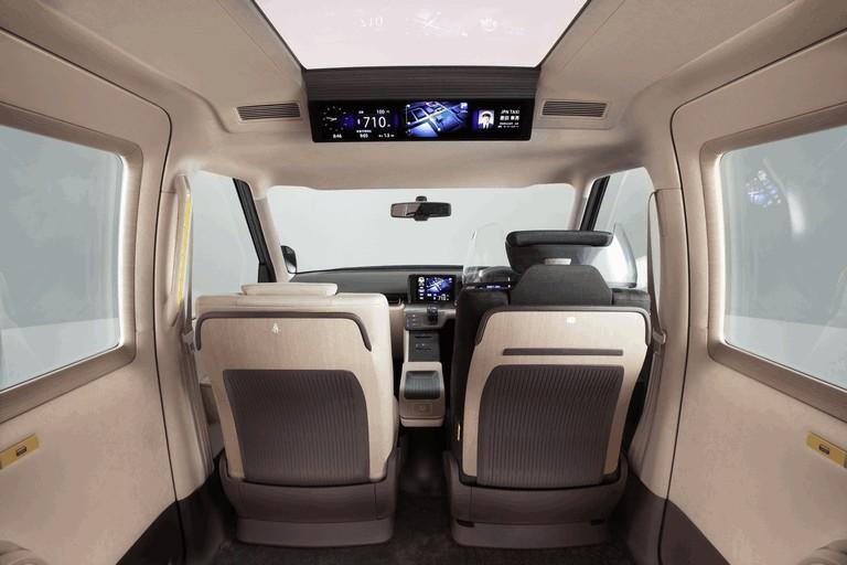 2013 Toyota JPN Taxi concept 404715