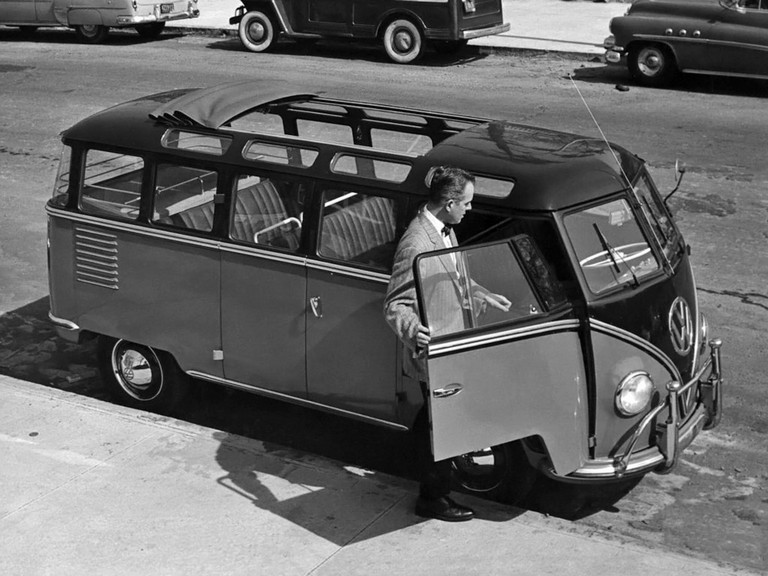 1951 Volkswagen T1 Deluxe Samba Bus 405172
