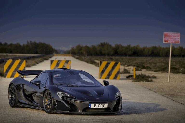 2014 McLaren P1 - Bahrain test 472119