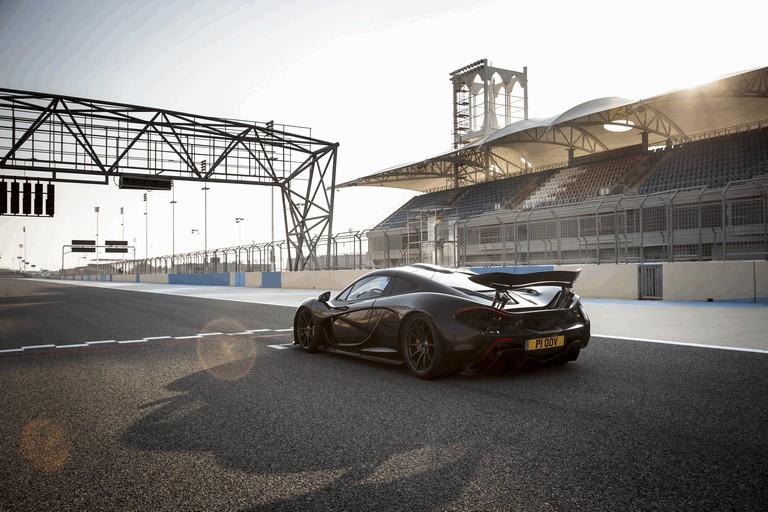 2014 McLaren P1 - Bahrain test 472135