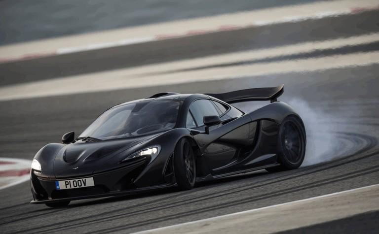 2014 McLaren P1 - Bahrain test 472136