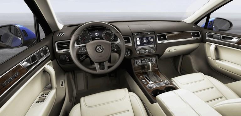 2014 Volkswagen Touareg 411579