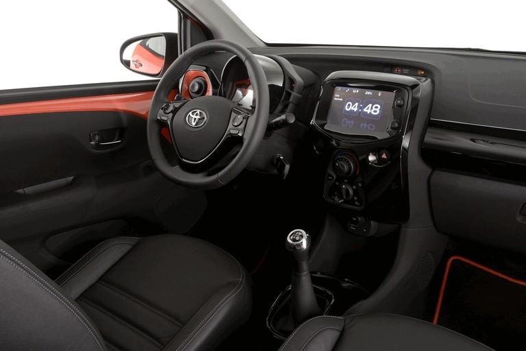 2014 Toyota Aygo x-cite 414213