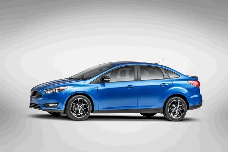 2014 Ford Focus sedan 418423