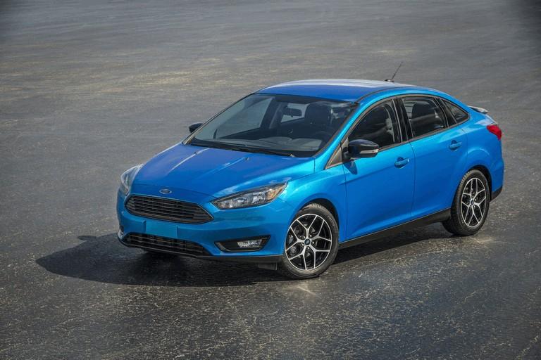 2014 Ford Focus sedan 418425