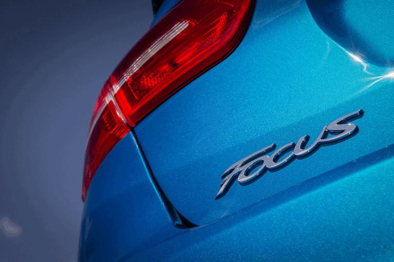 2014 Ford Focus sedan 418442