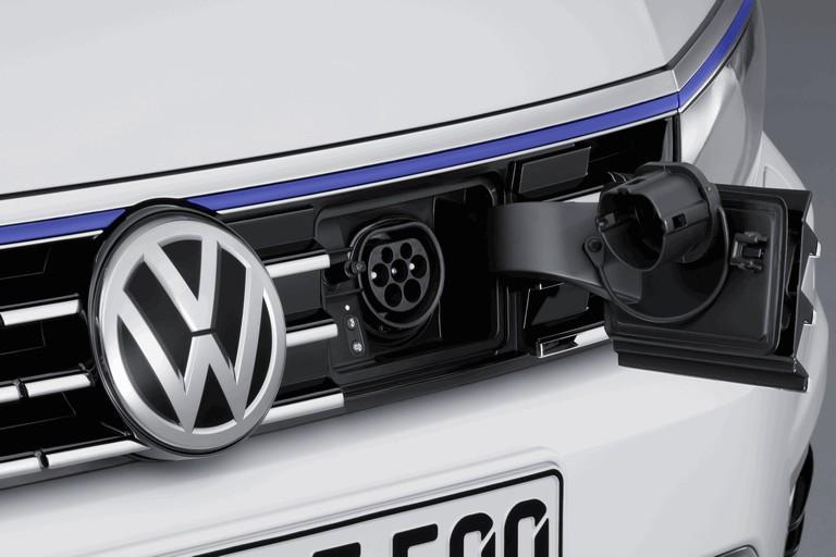 2014 Volkswagen Passat GTE 418989