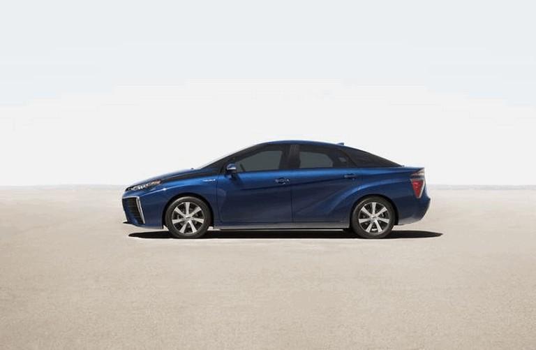 2015 Toyota Mirai 421016