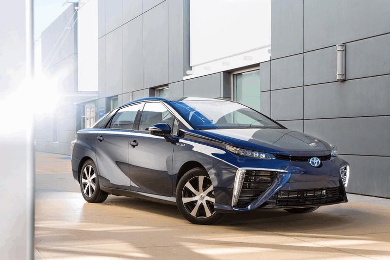 2015 Toyota Mirai 421028