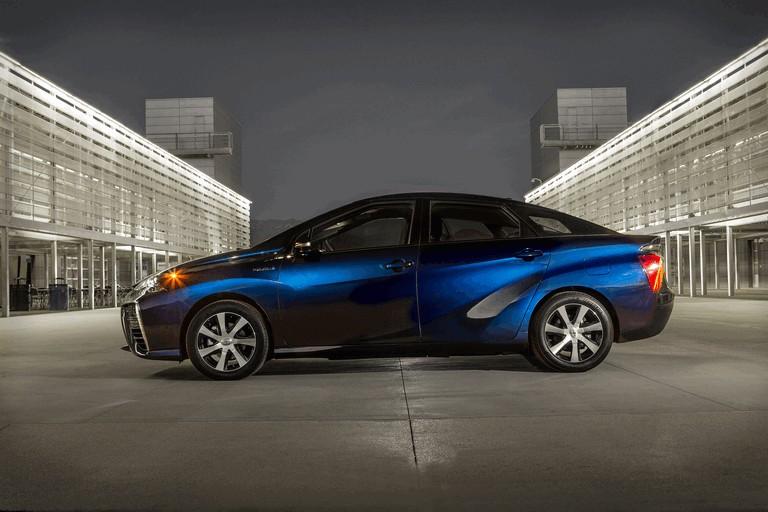 2015 Toyota Mirai 421031