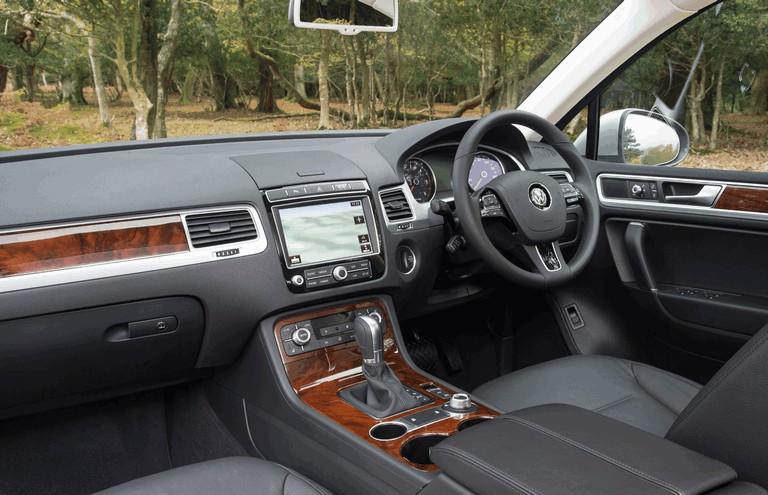 2014 Volkswagen Touareg SE - UK version 421913