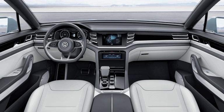 2015 Volkswagen Cross Coupé GTE 423951