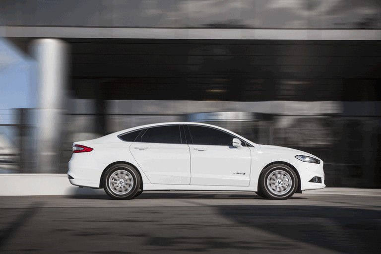 2015 Ford Mondeo Hybrid - UK version 426050