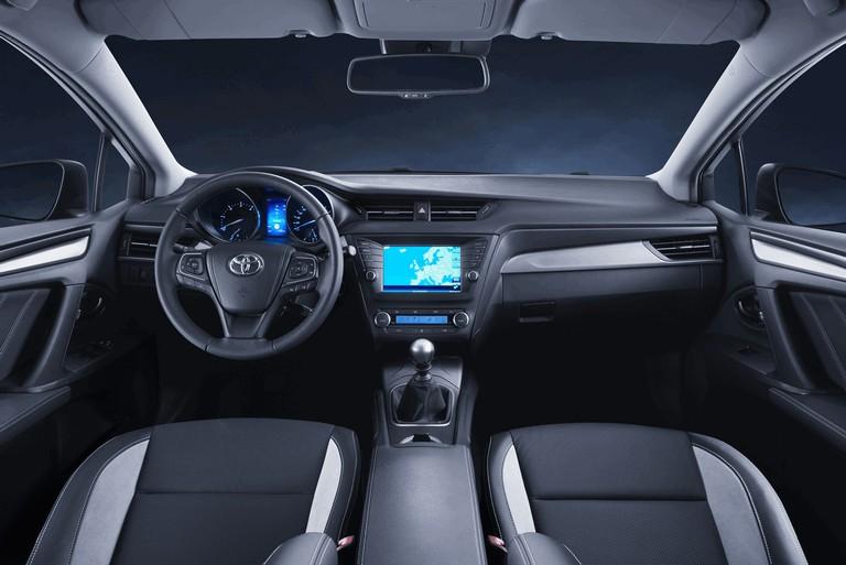 2015 Toyota Avensis 428150
