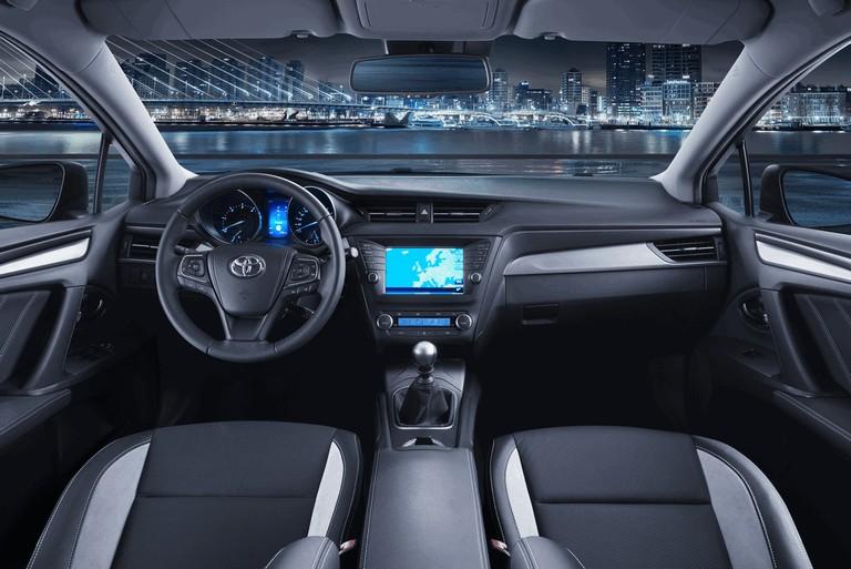 2015 Toyota Avensis 428151
