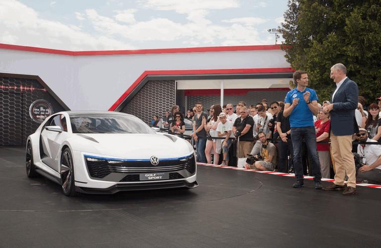 2015 Volkswagen Golf GTE Sport 428616