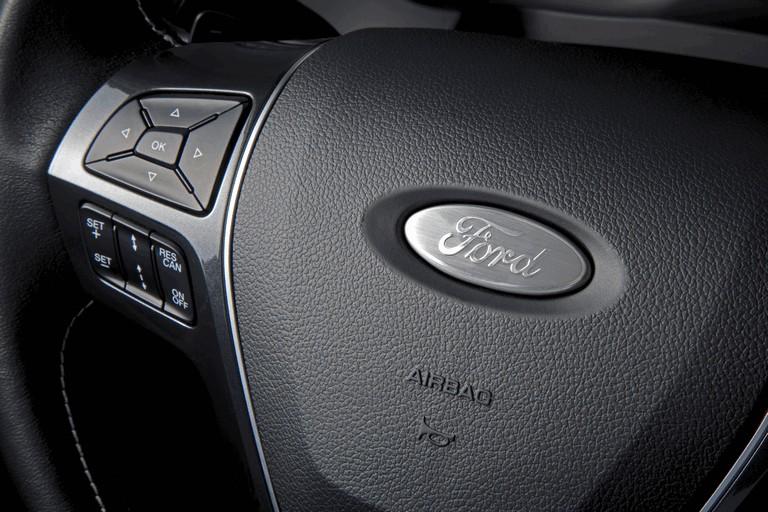 2016 Ford Explorer 446300