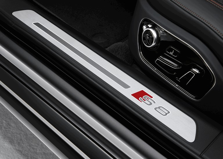2015 Audi S8 plus 439890