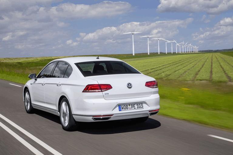 2015 Volkswagen Passat GTE 432621